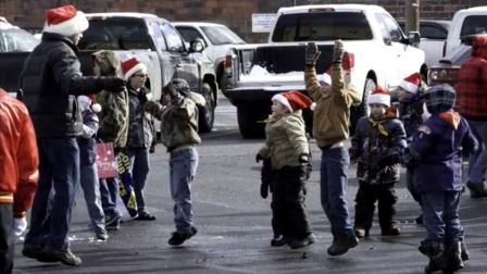 VIDEO: Santa Claus Comes to Clearfield