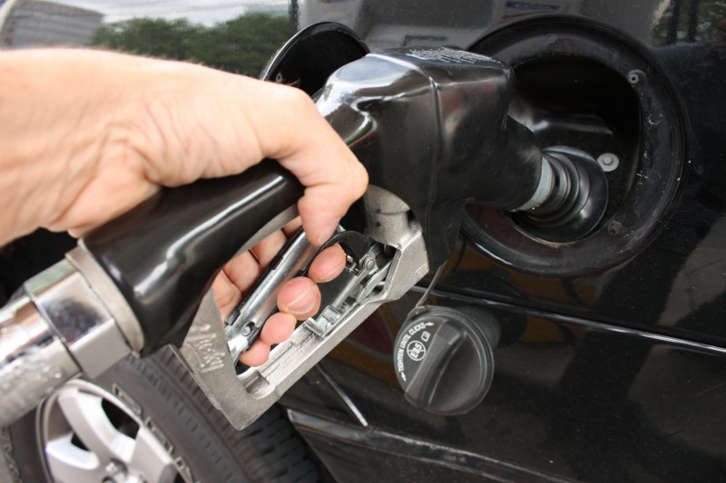 Gas Prices Fall 2.8 Cents Per Gallon in Pennsylvania