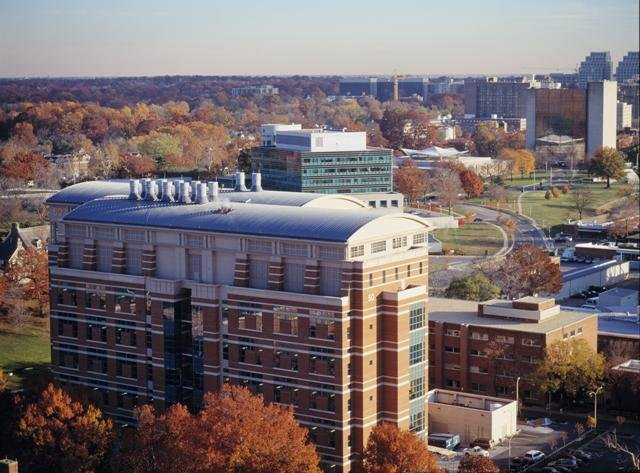 Nurse with Ebola 'exposure' admitted to NIH hos