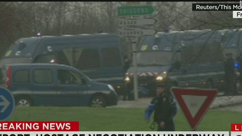 Video:   French police surround terror suspects near airport