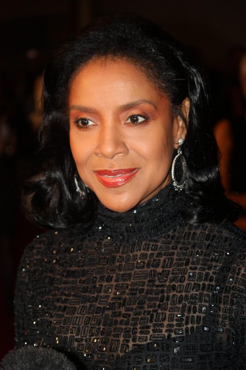 Phylicia Rashad breaks silence on Bill Cosby scandal