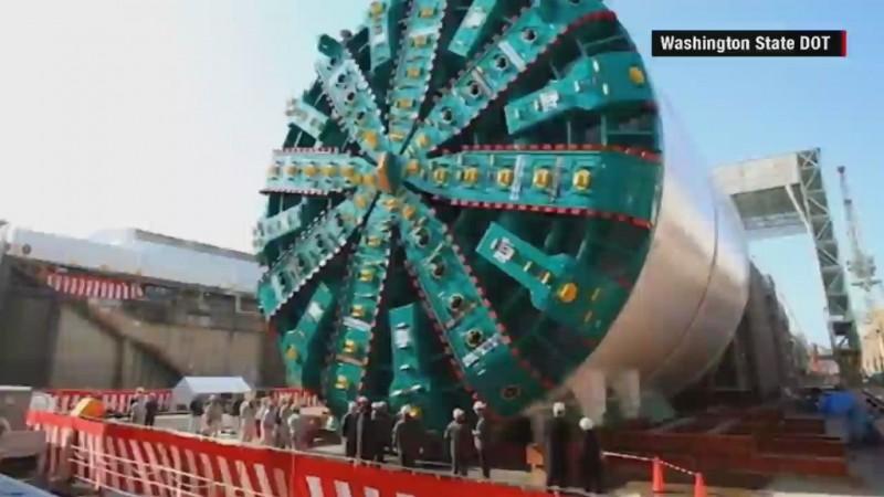 VIDEO: World's largest tunneling machine still stuck