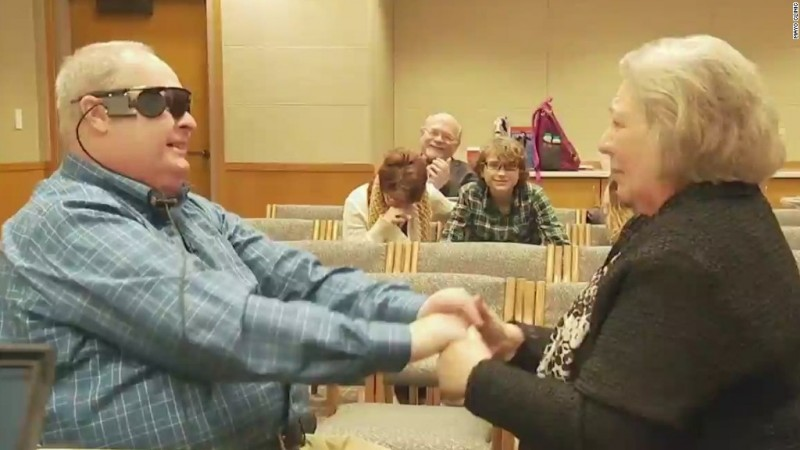 VIDEO: Man gets bionic eye, sees wife for first time in decade