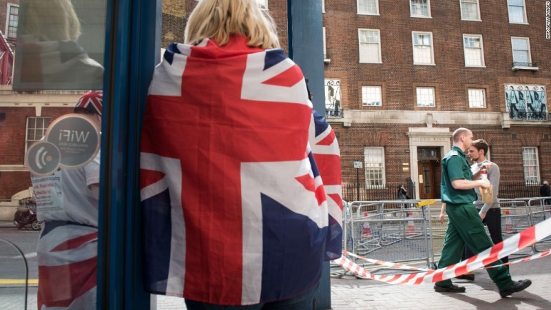 Royal baby fever spreading across London