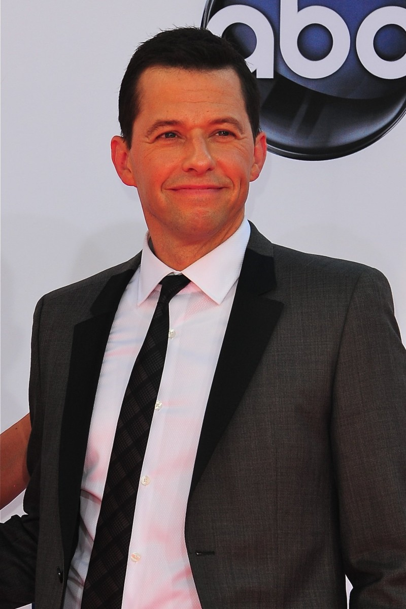 Three decades later, Jon Cryer reprises Duckie's 'Pretty in Pink' dance