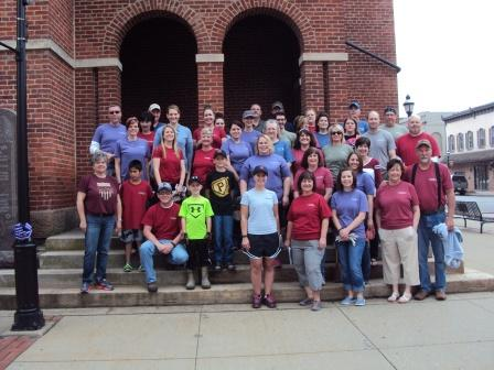 CNB Employees Volunteer at Beautification Day