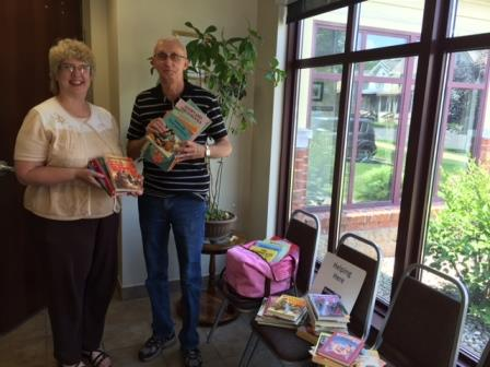 United Way Delivers More Than 100 Books to Housing Authority