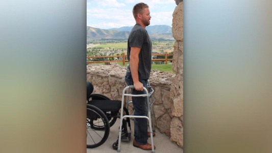 How paralyzed patients are able to stand again