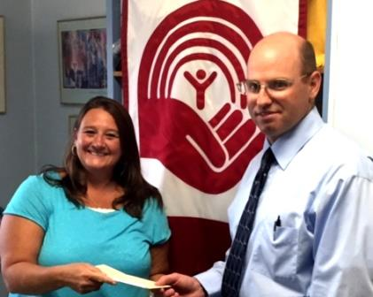 United Way Receives Contribution from CNB Bank