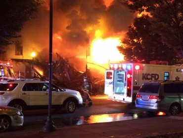 2 Kansas City firefighters die when part of building collapses