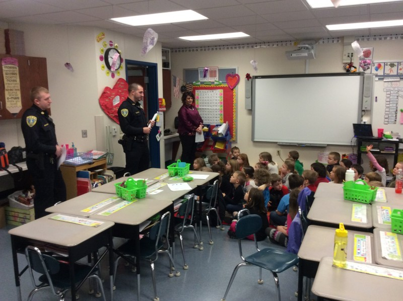 LT Police Promote Student and Parent Safety Education