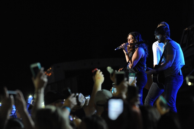 PHOTO SLIDESHOW: Lady Antebellum with Special Guest The Hobbs Sisters