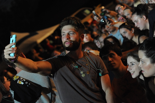 PHOTO SLIDESHOW: Jake Owen with Special Guest Chris Lane