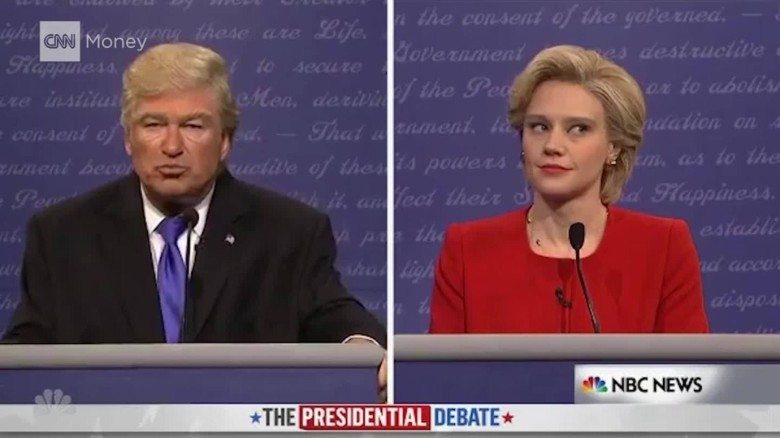 'SNL' returns with Baldwin's Trump debating Clinton