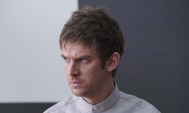 'Legion' stars Dan Stevens in slow-going Marvel series