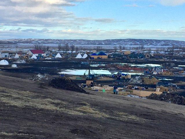 Deadline to leave Dakota Access Pipeline site approaching