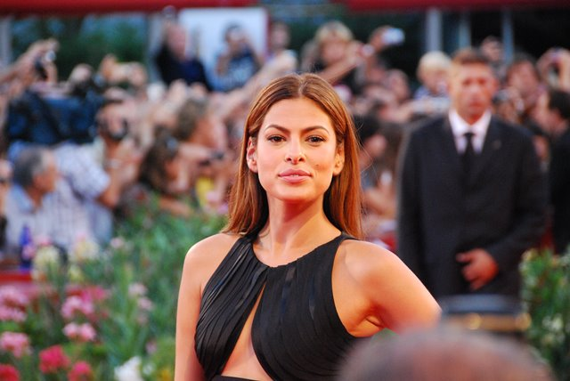 Eva Mendes makes being a homebody look beautiful