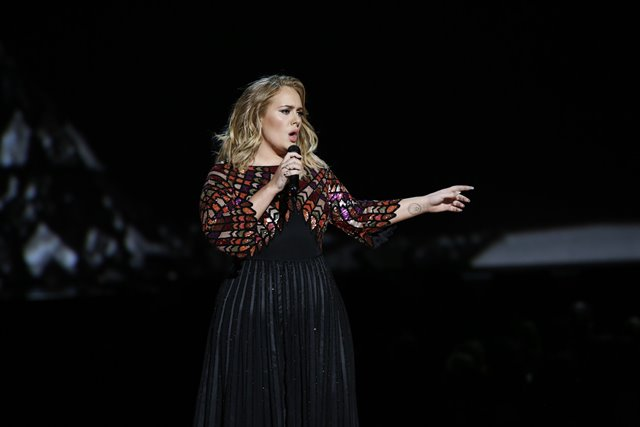 Adele proves being Beyoncé is anything but a breeze