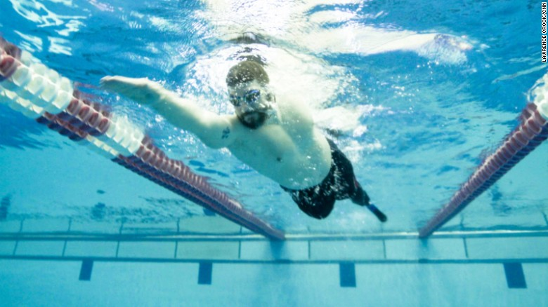 The new 'Fin' that propels amputees in the water