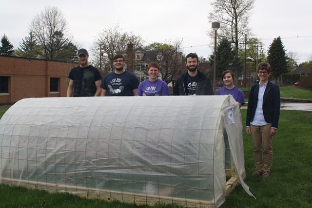 Students Make Donation to Community Garden