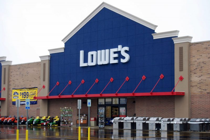 That Lowe's Mother's Day coupon doing the Facebook rounds? It's a scam