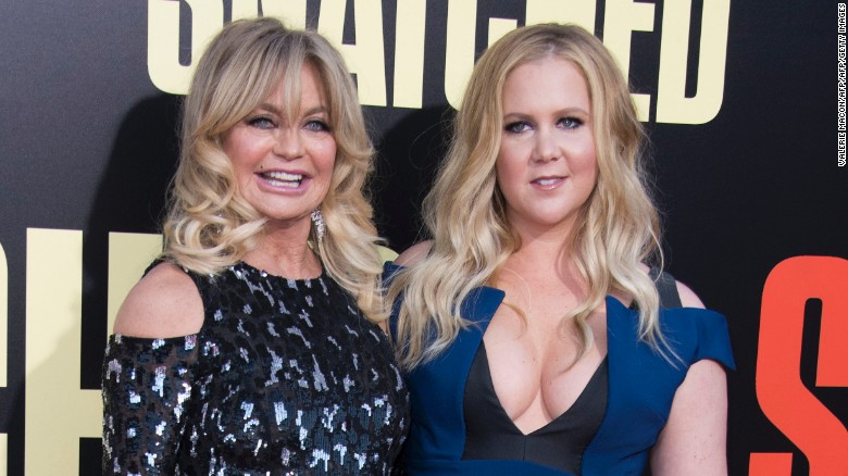 'Snatched' fumbles Amy Schumer-Goldie Hawn pairing