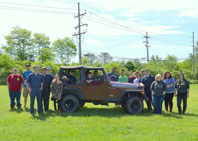 Collision Repair, Automotive Mechanic Students Work on Jeep