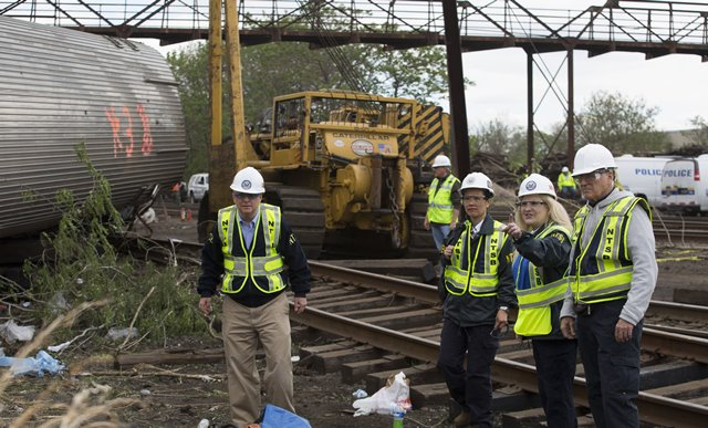 Amtrak engineer faces charges in fatal 2015 derailment