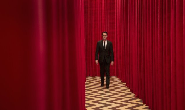 'Twin Peaks' return piques curiosity