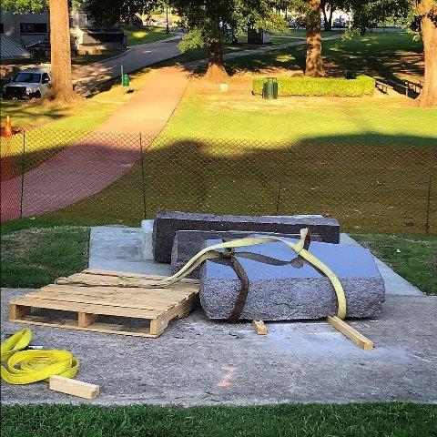 Arkansas' Ten Commandments monument destroyed live on Facebook