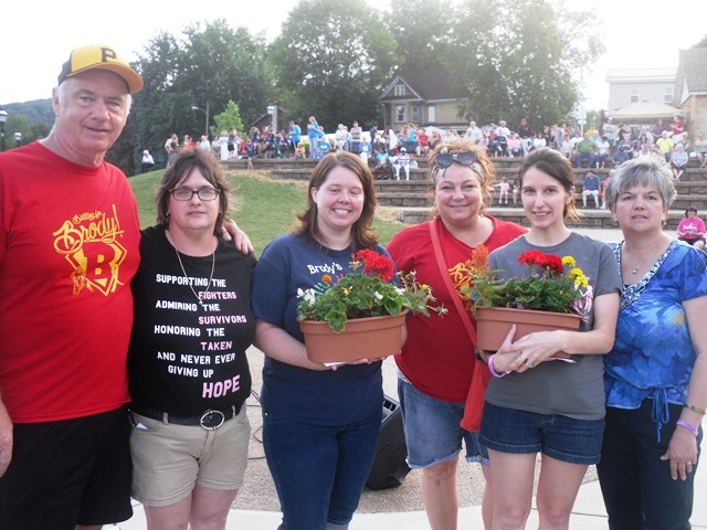 Library's Planter Sale Raises Funds for Colna and Lanich Families