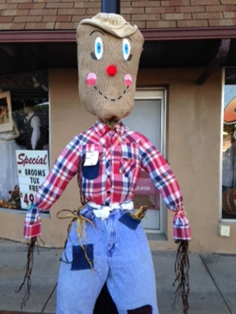 CRC, Clearfield Students Partner Up On Downtown Scarecrow Decorations