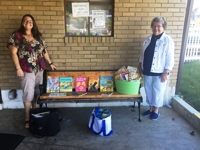 Clearfield United Way Presents Books to Shoe Closet