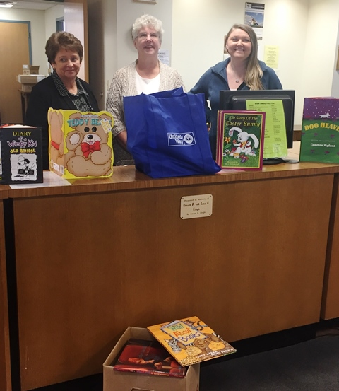 Clearfield United Way Donates Books to Shaw Library