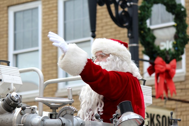PHOTO SLIDESHOW: Santa Arrives in Philipsburg