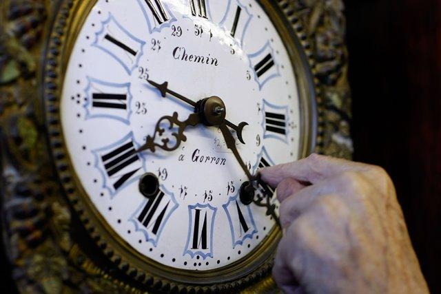 Don't Forget: Clocks Spring Forward Sunday