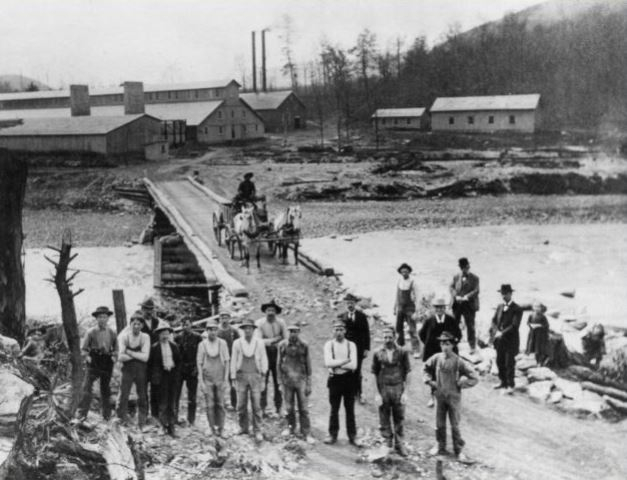 Throwback Thursday: the Karthaus Fire Brick Company Plant