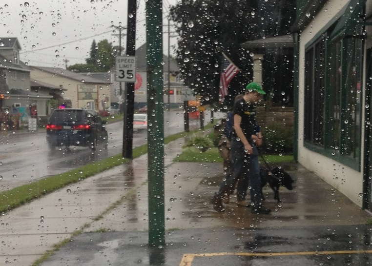 Local Police Officer Observes Random Act of Kindness