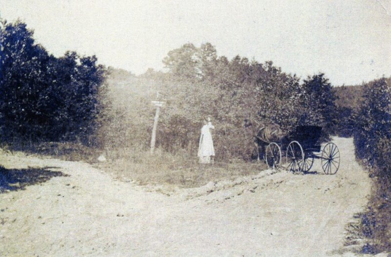 Throwback Thursday: Old Photo Taken at End of Turnpike Avenue
