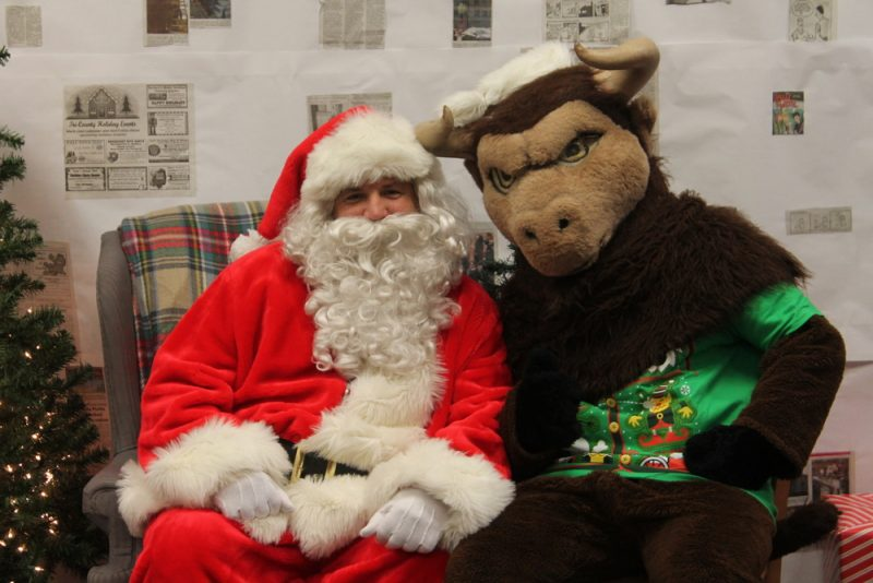 Student Service Clubs to Hold Breakfast with Santa