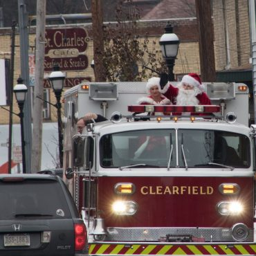 SLIDESHOW: Santa Claus Comes to Downtown Clearfield
