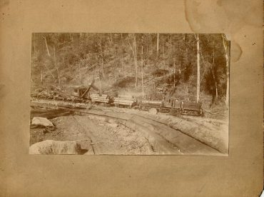 Throwback Thursday: Shipping Logs by Rail at Kerrmoor