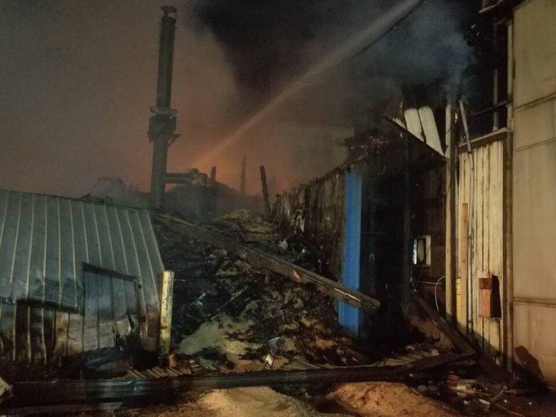 UPDATED: BREAKING: Crews Battle Warehouse Fire at Walker Lumber Co.