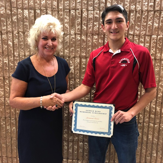 Vezza Receives Gerald Read Memorial Scholarship