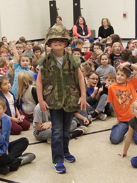 Ashville VFW Gives Presentation at Glendale Elementary