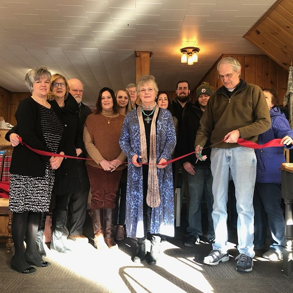 Straley's Furniture Reimagined Holds Ribbon-Cutting