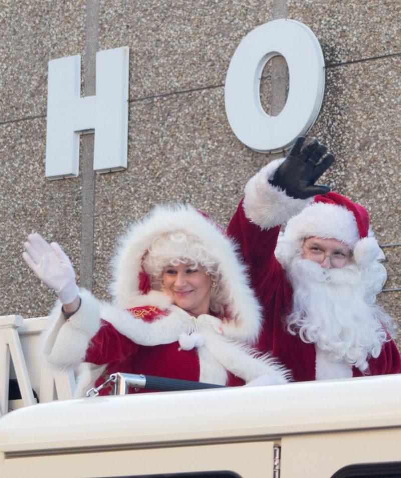 SLIDESHOW: Clearfield Kicks Off Christmas Season with Parade, Tree Lighting