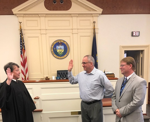 Mo-Valley SD's New School Police Officer Sworn In